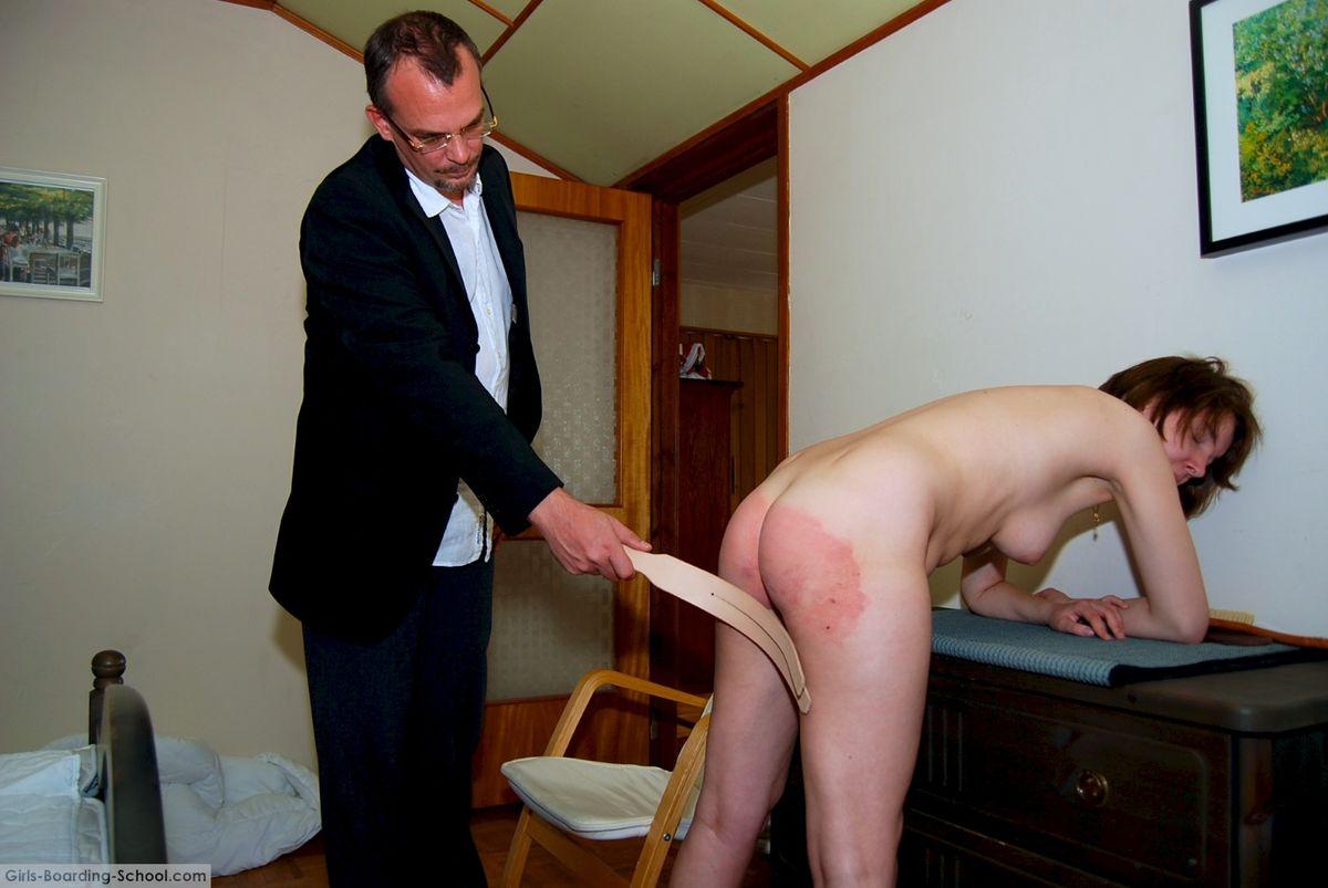 Femdom spanking, porn galery